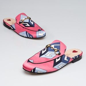 Gucci pink GG wallpaper satin princetown slippers